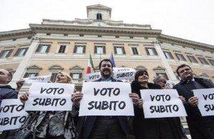 Elezioni, protesta anti Italicum davantia  Montecitorio (foto Ansa)