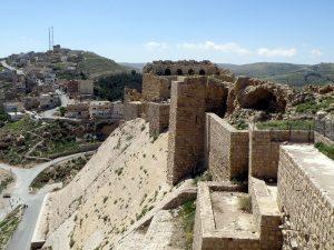 Giordania: terroristi attaccano castello Karak, 7 morti e turisti in ostaggio