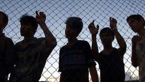 """Rifugiati, scandalo Australia: li chiudono su un'isola: """"Così fermati barconi"""". Infermiera denuncia, licenziata"""