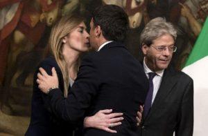 """Paola Taverna: """"Maria Elena Boschi ciliegina su torta di letame"""""""