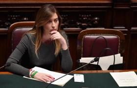 """Dagospia: """"Ecco perché Renzi e la Boschi non hanno assistito assieme allo spoglio"""""""