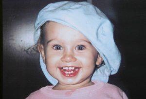 Matilde Borin aveva 22 mesi quando è stata uccisa con un calcio alla schiena nella sua casa di Vercelli. Era il 2 luglio 2005