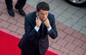 """Referendum, Renzi si dimette: """"Ho perso. Il mio governo finisce qui"""". Ora si apre l'era di Beppe Grillo"""