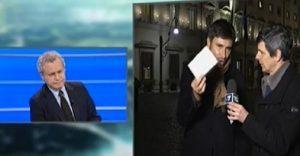 """Mentana prende in giro Di Battista: """"Beva uno spritzino con Celata"""" VIDEO"""