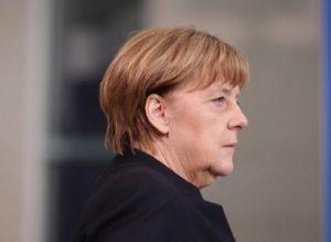 "Merkel e il terrorista: ""Profugo, aveva chiesto asilo, difficile da tollerare""Merkel e il terrorista: ""Profugo, aveva chiesto asilo, difficile da tollerare"""