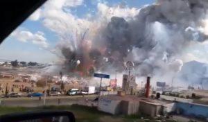 YOUTUBE Messico: esplode mercato fuochi d'artificio, 29 morti
