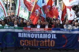 """Metalmeccanici, sì al contratto. Ma da Genova il no Fiom a Landini: """"Cosa esulti?"""""""