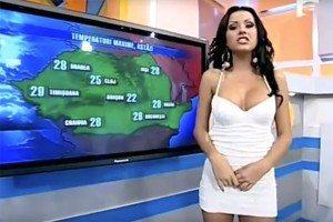 YOUTUBE Daniela Crudu, meteorina balla in diretta e mostra...