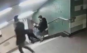 YOUTUBE Berlino: bodyguard di Lady Gaga e Jolie fa arrestare chi calciò donna in metro