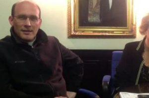 Parroco nipote di Sandro Pertini pestato e rapinato: blitz polizia allo Zen