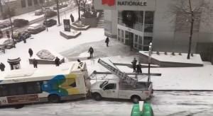 Montreal, tamponamento da record per ghiaccio: bus, pick up, auto, furgoni