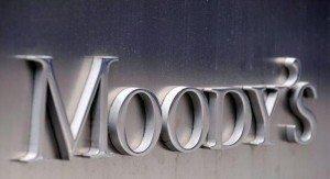Moody's taglia outlook Italia a negativo