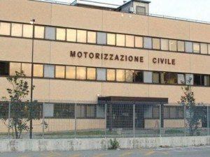 Napoli, Motorizzazione Civile: 6 dipendenti su 10 hanno guai con la giustizia