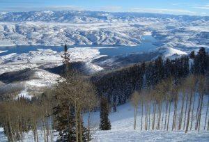 Si perde in montagna: nella neve per 30 ore, costretta a bere la propria urina