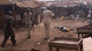 Nigeria: donna kamikaze fallisce attentato, linciata a morte dalla folla