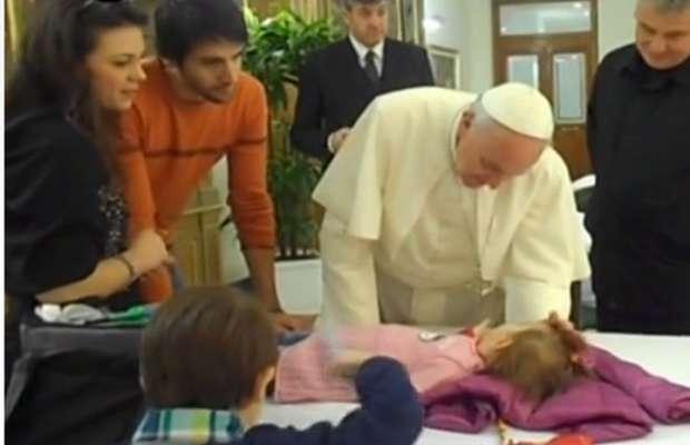 Papa: grazie per auguri,ma in anticipo portano jella