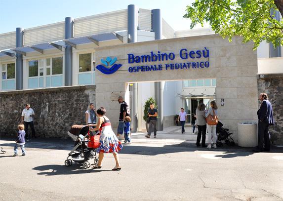 Roma, ospedale Bambin Gesù: a fuoco deposito rifiuti