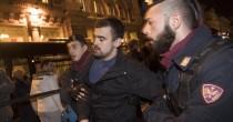 YOUTUBE Palazzo Chigi, manifestazione anti Renzi: studenti contro Polizia