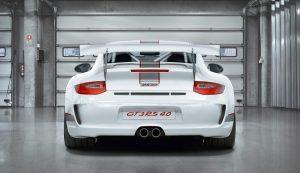 Vetto, per l'Istat è povero ma gira in Porsche, Lamborghini...