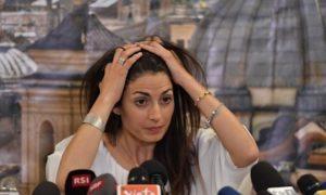 "Virginia Raggi exit strategy: ""Via subito Frongia e Romeo"""