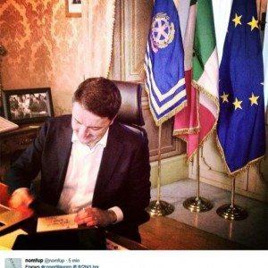 """Renzi si dimette e accusa: """"Adesso tutti i partiti si assumano le proprie responsabilità"""""""
