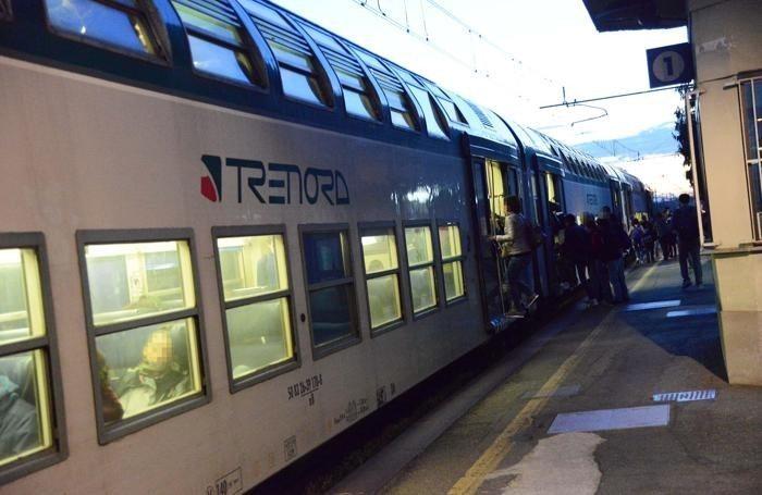 I due giovani investiti dal treno mentre attraversavano i binari