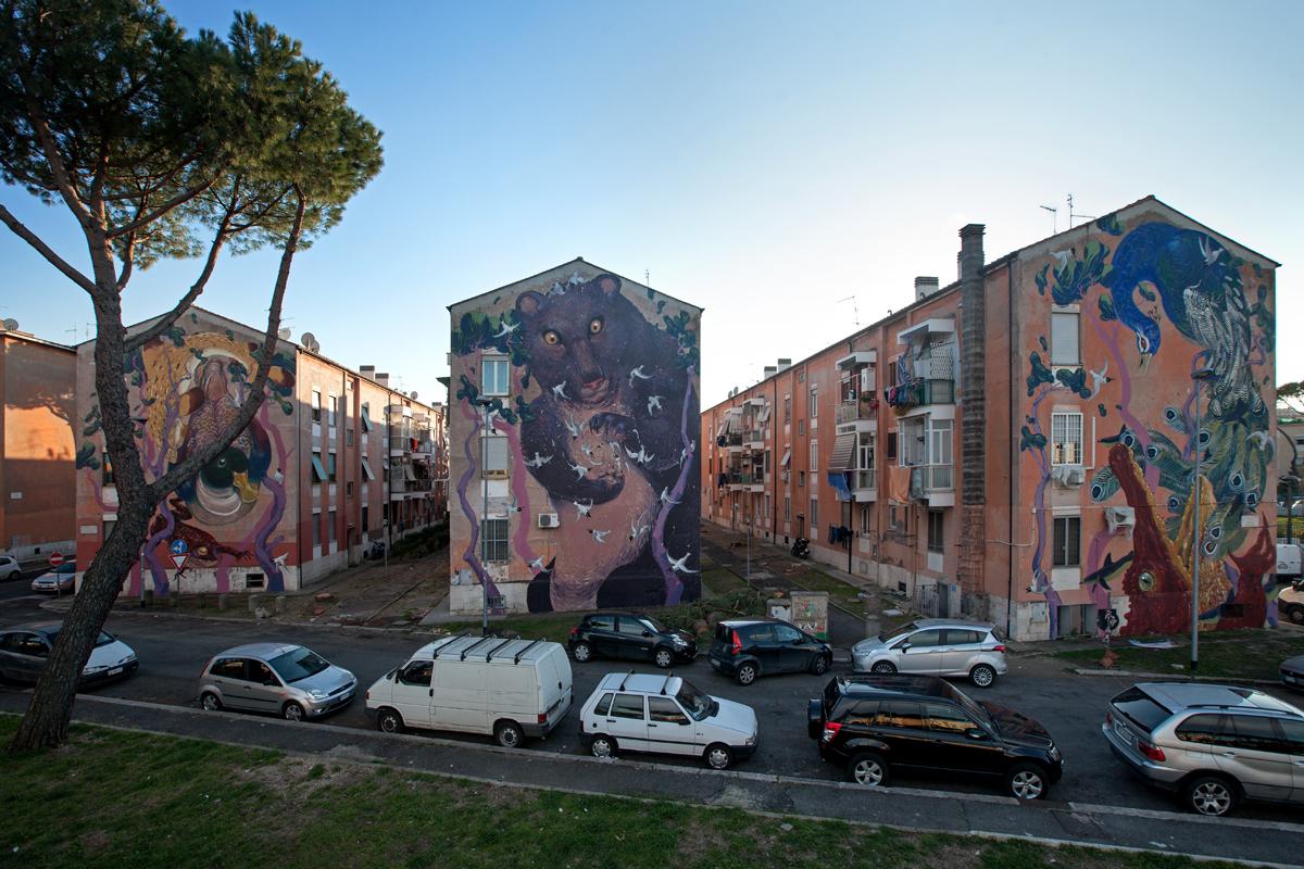 Roma: residenti San Basilio cacciano famiglia marocchina da casa popolare