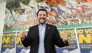 """Matteo Salvini scavalca Beppe Grillo e straparla: """"Basta euro, torniamo alla lira"""""""