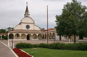 Motta di Livenza, assalto al santuario della Madonna: sfondata una vetrata