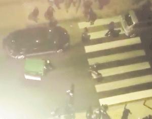 Sassari, si sdraiano in strada in piena notte per gioco FOTO choc2