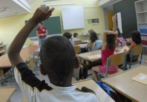 Migranti a scuola, studenti più bravi: genitori ambiziosi e...