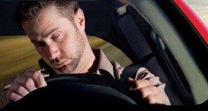 Colpi di sonno alla guida, kilkler silenzioso: per gli esperti è come guidare ubriachi