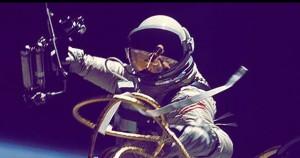 Nasa lancia la Space Poop Challenge: 30mila dollari per smaltire...le feci degli astronauti