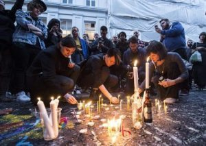 "Attentato Orlando: Twitter, Facebook, Google ""aiutarono Isis"". Parenti vittime fanno causa"