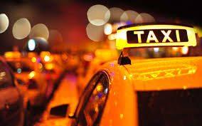 """Sale in taxi: """"Andiamo ad uccidere una persona, mi accompagna?"""""""