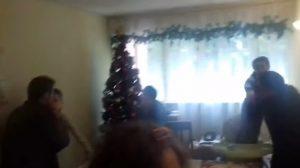 YOUTUBE Terremoto in Cile a Natale: prendono i bambini e fuggono da casa