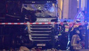 "Natale Europa: difendersi in strada dai Tir, ""dentro"" può esserci Isis"