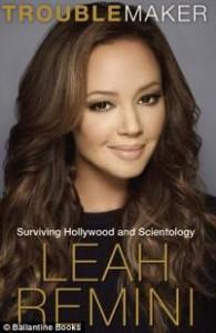 """Leah Remini: """"Scientology? Ho toccato il fondo con le finte nozze di Tom Cruise e Katie Holmes..."""""""