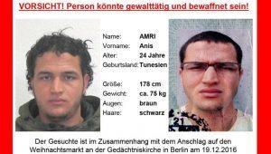 """Berlino, caccia al killer Anis Amri. Il fratello: """"Radicalizzato in Italia, ora si consegni"""""""
