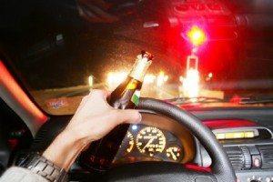 Vicenza, ubriaca e drogata alla guida forza posto di blocco e si schianta