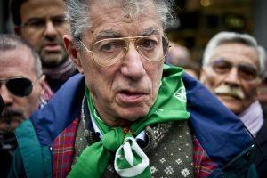 Umberto Bossi poesie. Canta amore e dolore in dialetto lumbard