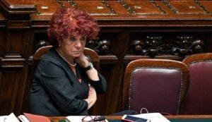 Valeria Fedeli, niente laurea e...nemmeno diploma