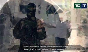 """YOUTUBE Isis, video sottotitolato in italiano al Tg La7: """"Come uccidere un crociato"""""""