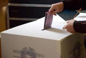 Firme false sulle liste elettorali, 300 indagati a Reggio Emilia