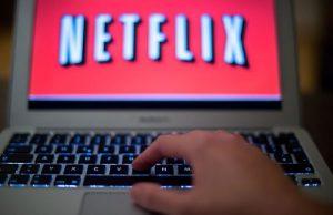 """Netflix, abbonati vittime di phishing. L'azienda: """"Attenzione a quella mail"""""""