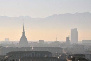 Smog, chi vive vicino a strade trafficate rischia danni al cervello