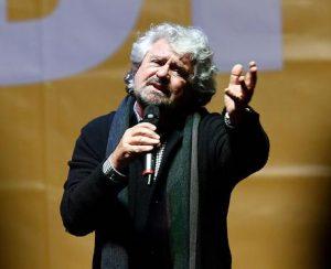 """Migranti, Grillo: """"No Cie. Alimentano mafie. Via irregolari"""""""