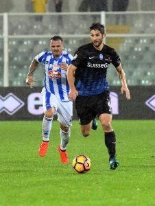 http://www.blitzquotidiano.it/sport/napoli-sport/scontri-napoli-spezia-un-arresto-4-agenti-contusi-2617223/