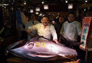 Giappone, tonno pinna blu venduto per 600mila euro