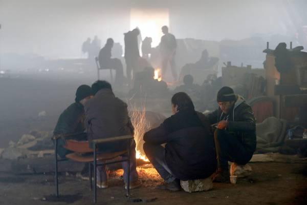 Belgrado, 2mila migranti aspettano sotto la neve a -15 di notte 2